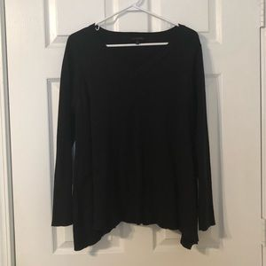 Black vneck sweater